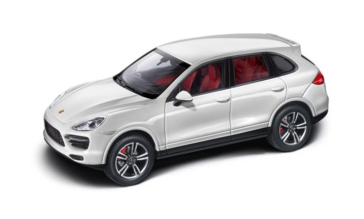 Cayenne Turbo S, 1:43